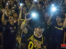Bluetooth apps like FireChat, Serval Mesh and StoryMaker, which require no cell network or Internet access, are powering the Hong Kong protesters movement.